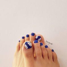 toe nail art designs, toe nail art summer, summer beach toe nails ~ THE PİN Beach Toe Nails, Glitter Toe Nails, Summer Toe Nails, Glitter Makeup, Diy Nails, Manicure, Pedicure Nail Art, Toe Nail Art, Pretty Toe Nails