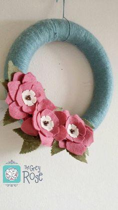 Felt Flower Spring Wreath--Felt Flower Wreath--Spring Wreath--Yarn Wreath--Interchangeable Wreath--READY TO SHIP--Pink Flower Wreath