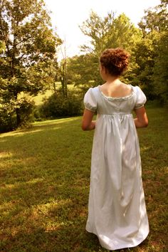 Regency gown - love the ruffles at the top