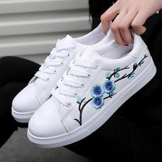 Sweet-Tempered Fashion Novelty Womens Platform Vulcanize Shoes Med Spring Autumm Lace-up Designer Sneakers Casual Thick Soled Shoes Soft And Antislippery Women's Shoes