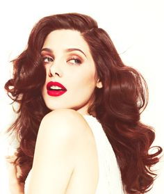 Ashley Greene. This girl is so gorgeous.