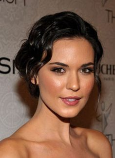 @Janet Evanovich My pick for Stephanie Plum.Odette Annable - Pictures, Photos & Images - IMDb