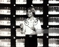 Music, Munich, West Germany, 16th March 1979, American pop-folk and country style singer John Denver is pictured during a television performance (Photo by Popperfoto/Getty Images)