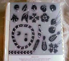 Trifari бриолет. Круглые граненые камни в золотой или платиновой тонировки Trifanium с сапфиром, Золотое тонирование Trifanium с кристаллом, фуксии, топаз, или оливкового цвета