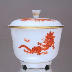 Meissen: Bonboniere Mingdrache in Korallrot, Orange, Dose, Deckeldose, Art Déco, lidded box, red chinese dragon, ming