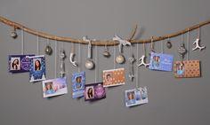 Vinkki: Ripusta joulukortit ja koristeet seinälle roikkumaan. Sopiva oksa on kiva etsiä yhteiselä metsäretkellä.   www.kuvaverkko.fi #vinkki #dyi #taikatalvi #joulukortti #kortti #kuvatuote #photoproduct #valokuva #muotokuva #lapsikuva #päiväkotikuva #koulukuva #kuvaverkko #sisustus #somistus #tehdäänyhdessä #decoration #interiordesign #walldecor #crafts