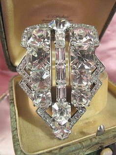 1930s Eisenberg Original Rhinestone Fur Clip~ I have many pieces of my mother's Eisenberg jewelry my father bought her in 1942 and it's STILL beautiful and brilliant 70 years later!