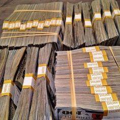 Way To Make Money, Make Money Online, Mafia, Aide Financiere, Argent Paypal, Money Stacks, Billionaire, Extra Money, Abundance