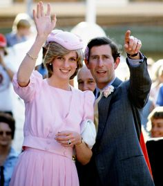 March 1983 Prince Charles and Lady Diana Princess of Wales traveled to Maitland, Australia Princess Diana Fashion, Princess Diana Family, Prince And Princess, Princess Of Wales, Lady Diana Spencer, Estilo Gigi Hadid, Prince Charles And Diana, Catherine Walker, Before Wedding