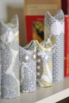 So darling ~ toilet paper rolls or paper towel rolls into DIY owls!!