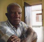 Emile L.A. Wijntuin (1924, district Coronie) de langst nog levende ex voorzitter van het Surinaamse parlement. Lid van de Progressieve Surinaamse Volkspartij.