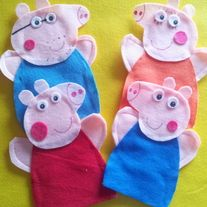 Peppa Pig Felt Hand Puppets  You get 4 puppets Peppa George Pig Mommy Pig Daddy Pig  All Puppets are made when they get ordered.  Having a Peppa Pig Party? What a perfect Peppa birthday gift even for birthday favors.  You can order these Puppets in any Color you wish Please send me a...