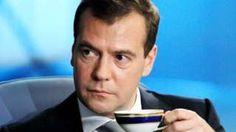 Image copyright                  DMITRY ASTAKHOV/AFP/Getty Images                  Image caption                                      Durante una reunión de líderes de Eurasia el miércoles, el primer ministro ruso, Dmitry Medvedev reprendió a un participante que había pedido un café americano.                                Todo comenzó con un comentario