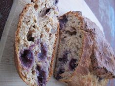 Wholemeal Banana, Blueberry & Walnut Loaf || cleaninthekitchen.wordpress.com for recipes || #cleaneating #healthy #bananabread