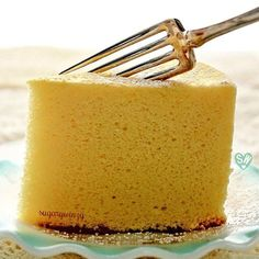 SugaryWinzy Soft and Light as Air Japanese Cheesecake Jello Recipes, Healthy Dessert Recipes, Cupcake Recipes, Delicious Desserts, Japanese Cheesecake Recipes, Food For The Gods, Babka Recipe, Japanese Cake, Cocina Natural