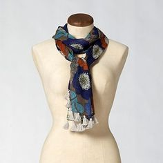 The best thing about fall? scarves!