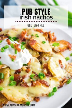 Whether you're looking for an appetizer to celebrate St. Patrick's Day or are just wanting a snack for a casual weekend at home, these Irish Nachos are just what you need. Tender and crispy potatoes g Gluten Free Appetizers, Bacon Appetizers, Appetizer Recipes, Gluten Free Nachos, Irish Appetizers, Party Recipes, Holiday Recipes, Easy Irish Recipes, Free Recipes