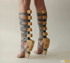 Thats pretty hot. I'd like to see some hottie struting down the red carpet in these