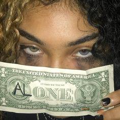 Imagem de aesthetic, girls, and grunge Boujee Aesthetic, Badass Aesthetic, Bad Girl Aesthetic, Aesthetic Collage, Aesthetic Grunge, Aesthetic Pictures, Aesthetic Outfit, Fille Gangsta, Gangsta Girl