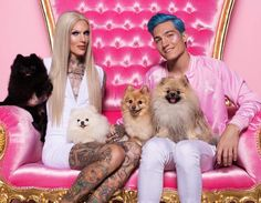 Jeffree Star family: mother, father, siblings, partner, dogs and kids. He was born Jeffree Lynn Steininger but changed his name and became the make-up mogul Jeffree Star Nathan, Jeffree Star Instagram, Jeffry Star, Lady Gaga, Nathan Schwandt, J Star, Star Family, Star Makeup, Artists And Models