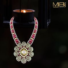 Polki necklace with Pearls #MBj #Luxury #Desirable #Traditional #JewelleryLove #Necklace #Polki #Pearl