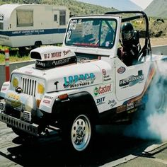 And everyone thought Jeep was meant for the great outdoors only? #dragracing