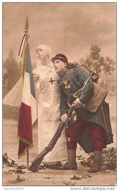 """(1914/1918) BELLE CPA 1915 """"INFIRMIERE CROIX ROUGE ET POILU"""""""