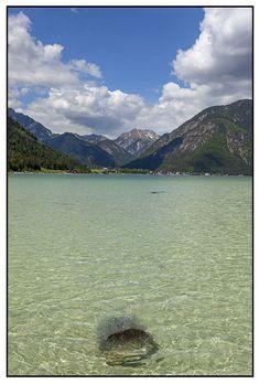 Achensee in Tirol. Foto von Felix Richter. Medium Art, Mountains, Nature, Travel, Photos, Social Media, Viajes, Traveling, Nature Illustration