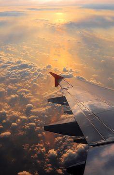 Vista desde la ventanilla de un avión