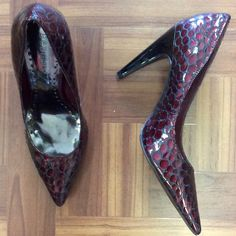 #BCBGirls #CrocEmbossed Pumps | Size 6.5 | $20! Call for more info (781)449-2500. #FreeShipping #ShopConsignment  #ClosetExchangeNeedham #ShopLocal #DesignerDeals #Resale #Luxury #Thrift #Fashionista