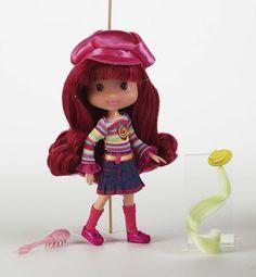 Strawberry Shortcake Dolls | 2006 Strawberry Shortcake doll.