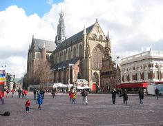 Haarlem - 8 Best Places to Visit in the Netherlands- Travel Mind Map Amsterdam City Centre, Holland Cities, City Landscape, Most Beautiful Cities, Cool Places To Visit, Night Life, The Good Place, Street View, Travel Netherlands