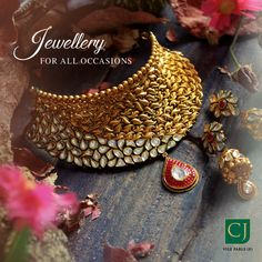 "Aggarwal Abhushan ""Leave a little sparkle wherever you Go."" Get all Ocassion Jewellery at Aggarwal Abhushan . Indian Jewelry Earrings, Indian Jewelry Sets, Jewelry Design Earrings, Gold Jewellery Design, Bridal Jewelry Sets, Fancy Jewellery, Necklace Designs, Gold Jewelry Simple, Silver Style"