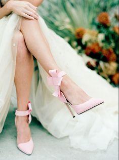 Bride Shoes, Wedding Shoes, Wedding Veils, Wedding Hair, Bridal Hair, Wedding Stuff, Wedding Dresses, Bridal Heels, Metallic Shoes