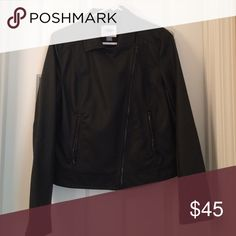 Leather like  jacket Perfect for fall! I loved wearing this with dark jeans and black boots 😍 pretty true to size (if anything a little roomy) Old Navy Jackets & Coats