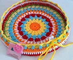 Weaving Crochet Arts: Cover w / Round stool! Crochet Mandala Pattern, Crochet Flower Patterns, Crochet Art, Crochet Doilies, Crochet Flowers, Crochet Stitches, Crochet Round, Crochet Decoration, Crochet Home Decor