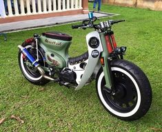 JUGEMテーマ:車/バイク世界で最も売れているバイク・・・そうスーパー・カブ。と言う事は、世界中に個性的なカブがあるって事ですよね、国内でもカブのカスタムはとどまる所を知らないかのごとく溢れています。そこで、ネットで見つけたこの画像、何処
