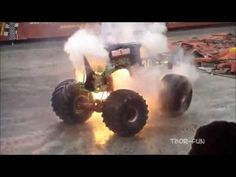 Best of Monster Truck Grave Digger / Jumps, Crashes, Accident