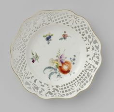 Dessert Plate, multicolor painted with flowers and fruits, Porzellan Manufaktur Meissen, about 1750 - about 1760