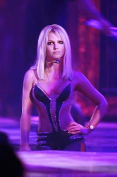britney spears circus tour holy crap look at that body!!!