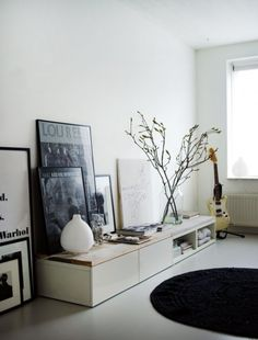 gestellte Bilderrahmen bilderpraesentation Ikea Cabinets with wooden top by Vosg… – Media Room İdeas 2020 Decoration Inspiration, Room Inspiration, Interior Inspiration, Decor Ideas, Home Living Room, Living Spaces, Small Living, Muebles Living, Ikea Cabinets