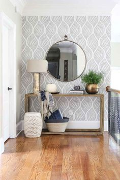Trendy Wallpaper Accent Wall Entryway Home Decor 68 Ideas Retro Home Decor, Home Decor Styles, Home Decor Accessories, Decoration Entree, Space Interiors, Design Interiors, Foyer Decorating, Decorating Ideas, Decorating Kitchen