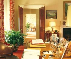 Browse beautiful interiors on Architectural Digest for the perfect inspiration to help you design your dream home. First Lady Portraits, White House Interior, Inside The White House, Monochromatic Room, Nancy Reagan, Blue And White Fabric, Design Your Dream House, Red Rooms, Image House