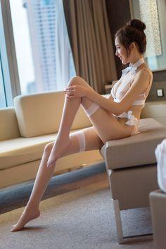Filles nues, sexy et magnifiques - Bonjour Madame