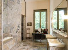 Villa Necchi Campiglio - The bathroom of Gigina Necchi Campiglio lined with marble