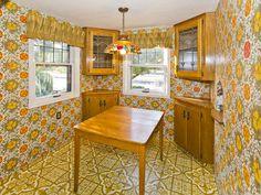 fabo vintage walpaper and linolium. Decor, 1970s Decor, Kitchen Design Open, Vintage Kitchen, Retro Kitchen, Retro Renovation, Home Decor, House Interior, Retro Interior