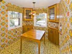 time capsule kitchen - 1970 - who ever had the guts to do THAT?