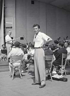 a soundcheck with Max Steiner and the New York Philharmonic 1943 #Sinatra
