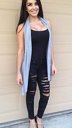 22968d9d Look stylish in these cute and affordable jeans Summer Outfits Women 20s,  Spring Outfits,