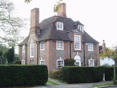 House by Edwin Lutyens, on Erskine Hill, Hampstead Garden Suburb, London